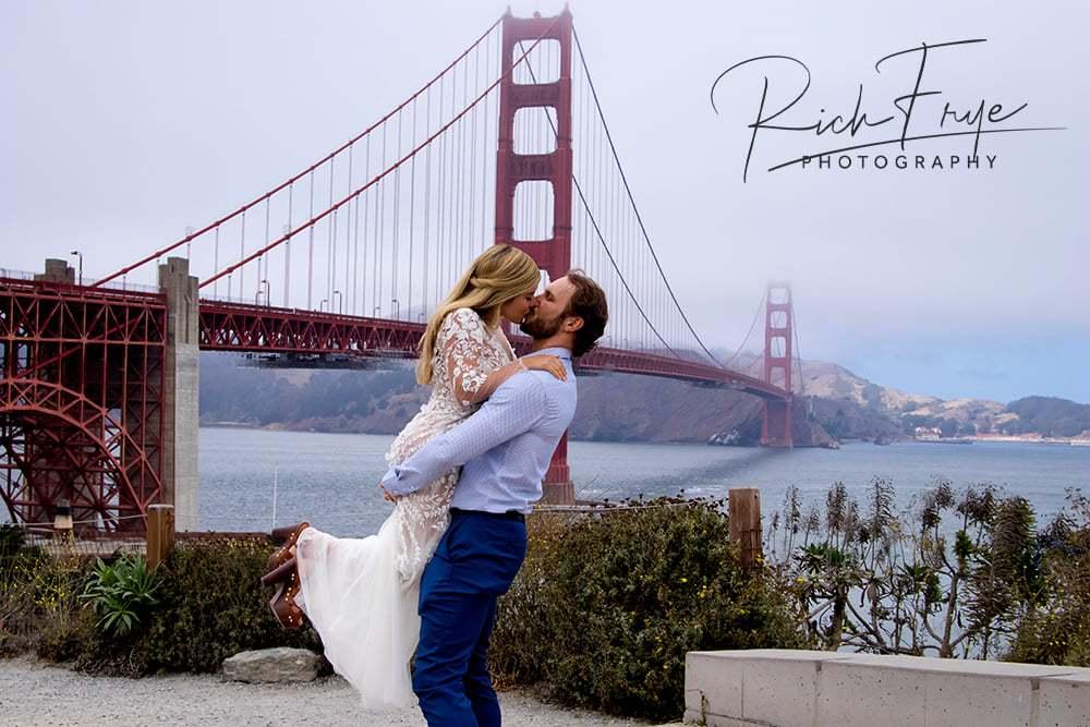 golden-gate-bridge-engagement-photography